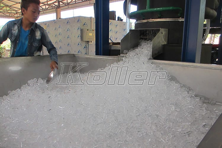 Big-Capacity-Tube-Ice-Machine-in-Laos-6
