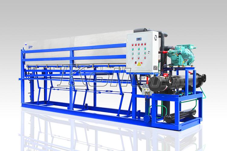 Menggunakan Mesin Pembuat Es Balok